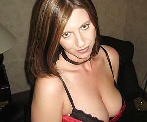 ExGF has a passion for giving head and playing with other hot girls
