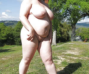 Various chubby ladies completely naked in a nature