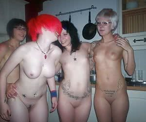 Emo Pussy, Naked Emo, Naked Emo Girls ::: MEMBERS AREA :::