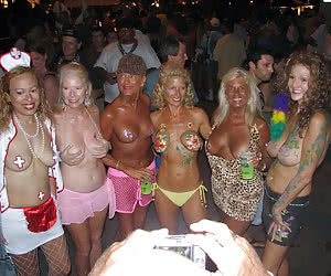 Wild night fest featuring nasty moms and grannies