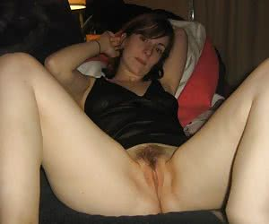 Hairy Mommies - The most beautiful hairy moms on the net!