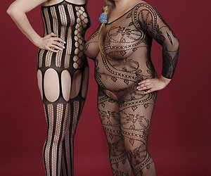 Hot Chicks In The Catsuit