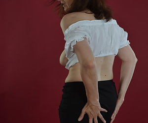 When shooting times in a Dirndl Blouse.And yet it falls.Like the rock.