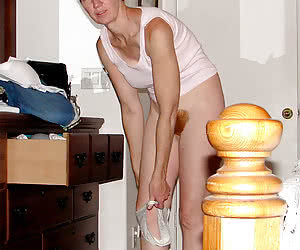 Classy photos of naked amateur housewives.