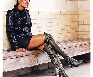 GF in Leather Boots