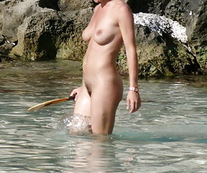 Pictures of nude women on nude beach