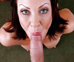 Mature in stockings takes sperm in mouth