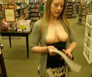 Amateur chicks displaying their fine tits and cunts