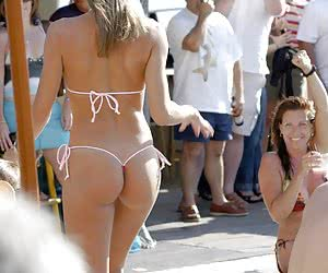 Various thong and bikini pictures filmed by ordinary amateurs