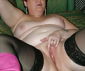 Lots of pics of my big belly and bum here, so for you bbw lovers out there this is a must see set for you.
