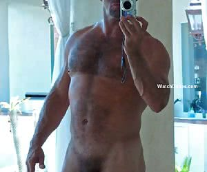 Amateur selfpics of the hottest guys